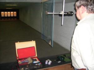 30_25mKK_Pistole.JPG